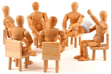 Storytelling-circle wooden dolls