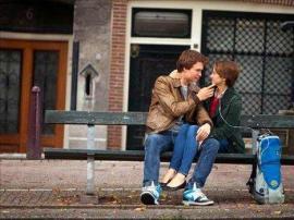 Gus (Ansel Elgort) and Hazel (Shailene Woodley)