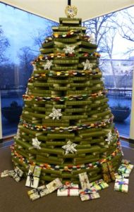 Book Christmas Tree  (greencommunityconnections.org)