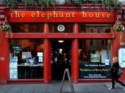 The Elephant House, one of the cafes in Edinburgh where J.K.Rowling wrote the first Harry potter book. (lifetonic.co.uk)