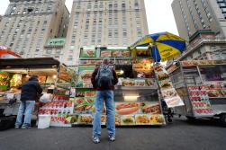 New York City food carts offer cuisine on the run.(www.citi.io)